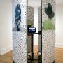 Pile ou Face, installation estampes numériques sur papier, 200 x 80 cm par panneau, vidéo, Centre d'artiste Voix Visuelle, 2007