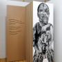 Abjection e, estampe numérique sur papier et sur acétate, 213 x 72 cm, Axe Néo7, 2003 -texte – Danièle Vallée : « Des printemps se succèdent et voici qu'une protubérance bossue émerge du tronc au fête de l'arbre. Une tête humaine, toute difforme, de chair et de bois apparaît. L'arbre prend des allures d'homme et l'orme se fait homme. »